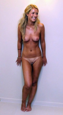 Young lady naked photo.