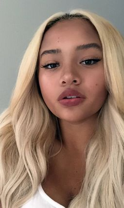 Blonde princesa lux-louboutins