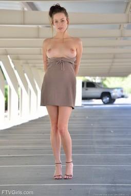 Splendid babe topless outdoor.