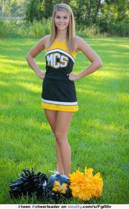 Nackte sexy heiße Teenager Cheerleader