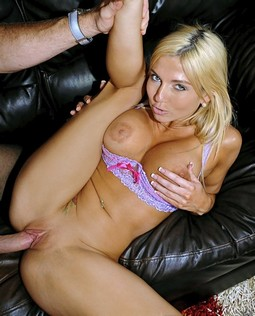 Christie Stevens - He Fucked Her Pretty Pussy On The Couch