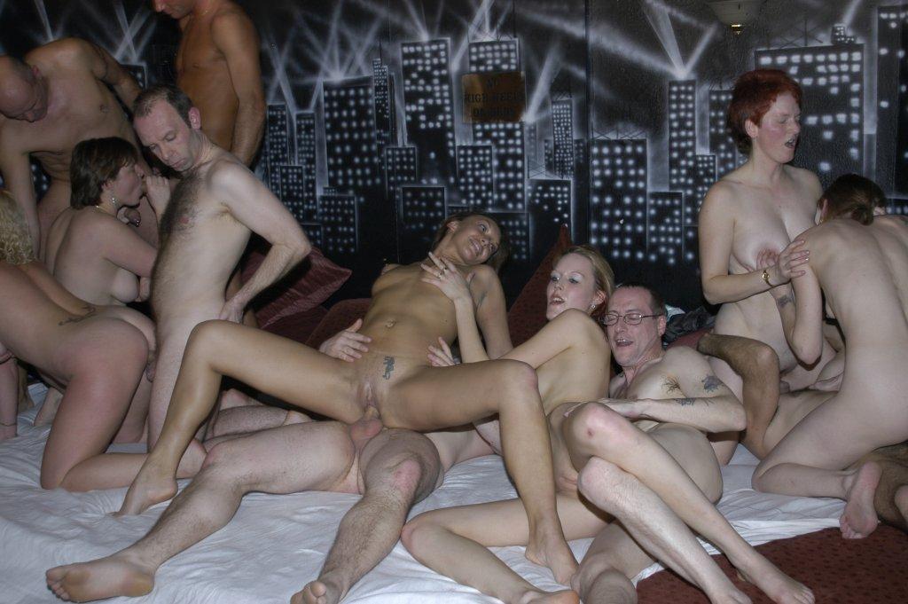 Lesbian Strap Group Sex